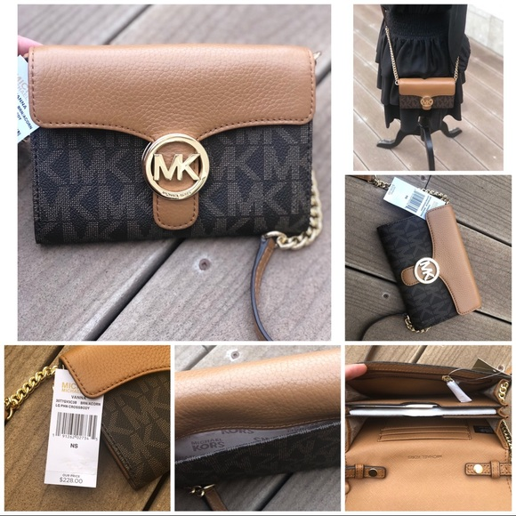 563169ae1d3b Michael Kors Bags | Vanna Lg Phn Crossbody Wallet Onchain | Poshmark